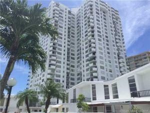 2700 NE 183rd St #Th09. Aventura, Florida - Hometaurus