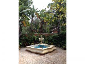 8160 Geneva Ct #305. Doral, Florida - Hometaurus
