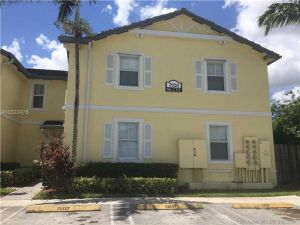 2928 SE 2nd St #10. Homestead, Florida - Hometaurus