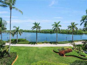 13643 Deering Bay Dr #125. Coral Gables, Florida - Hometaurus