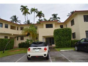 32 Camden Dr #2. Bal Harbour, Florida - Hometaurus