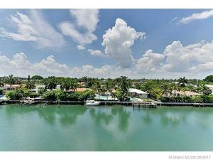 9500 W Bay Harbor Dr #5b. Bay Harbor Islands, Florida - Hometaurus