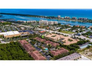 162 Village Boulevard #H. Tequesta, Florida - Hometaurus