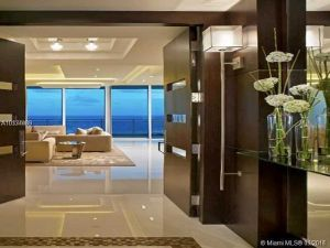 10295 Collins Ave #807. Bal Harbour, Florida - Hometaurus