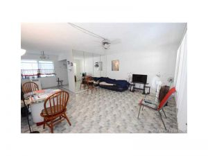 2031 Dewey St #206. Hollywood, Florida - Hometaurus