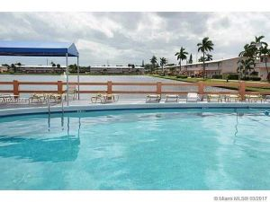 900 SW 11th Ave #12c. Hallandale, Florida - Hometaurus