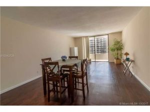 600 Three Islands Blvd #1614. Hallandale, Florida - Hometaurus