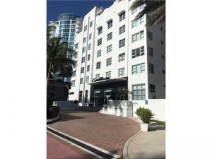 3739 Collins Ave #N-407. Miami Beach, Florida - Hometaurus