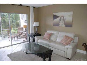 5100 NW 35th St #203. Lauderdale Lakes, Florida - Hometaurus
