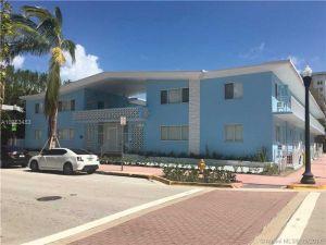 401 Collins Ave #12. Miami Beach, Florida - Hometaurus