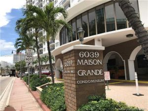 6039 Collins Ave #1137. Miami Beach, Florida - Hometaurus