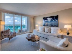 102 24th Street #1527. Miami Beach, Florida - Hometaurus
