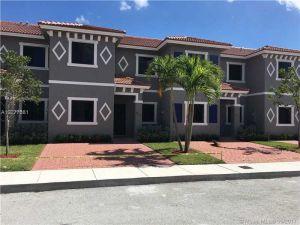 4418 SW 163rd Pl #4418. Miami, Florida - Hometaurus