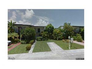 2209 NE 122nd St #2209. North Miami, Florida - Hometaurus