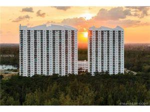 15051 Royal Oaks Ln #2402. North Miami, Florida - Hometaurus