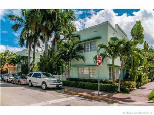 750 Espanola Way #12. Miami Beach, Florida - Hometaurus