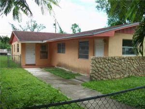 23121 SW 156 Av. Homestead, Florida - Hometaurus