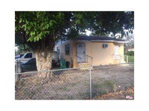 2905 NW 93rd St. Miami, Florida - Hometaurus