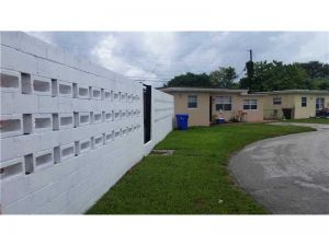504506 N 60th Ter. Hollywood, Florida - Hometaurus