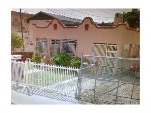 1550 NW 35 Street. Miami, Florida - Hometaurus