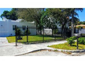 5422 NW 5 Av. Miami, Florida - Hometaurus