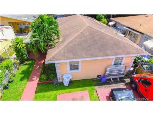 2620 NW 33rd St. Miami, Florida - Hometaurus