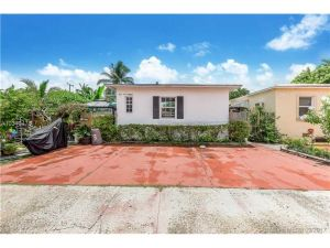 816 84th St. Miami Beach, Florida - Hometaurus
