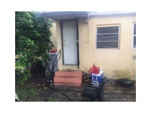 743 NW 65th St. Miami, Florida - Hometaurus