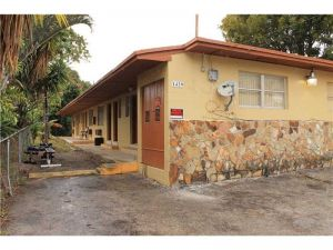1439 SW 4th St. Miami, Florida - Hometaurus