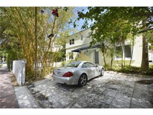 745 Lenox Ave. Miami Beach, Florida - Hometaurus