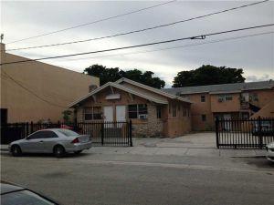 718 SW Pequena Habana. Miami, Florida - Hometaurus