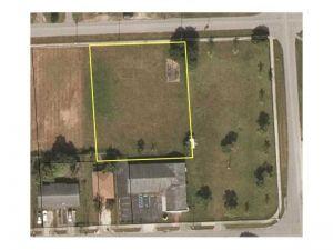 10330 SW 178th St. Miami, Florida - Hometaurus