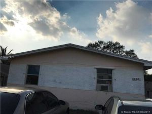 430 SW 9th Ave #1-2. Hallandale, Florida - Hometaurus