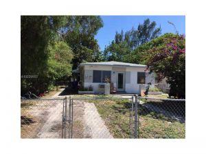 40 NW 44th St. Miami, Florida - Hometaurus