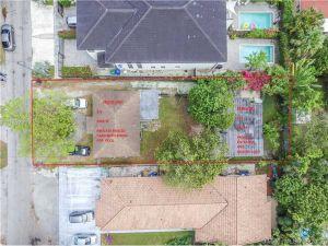 2861 SW 38th Ct. Miami, Florida - Hometaurus