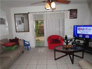 1443 NW 32nd St. Miami, Florida - Hometaurus