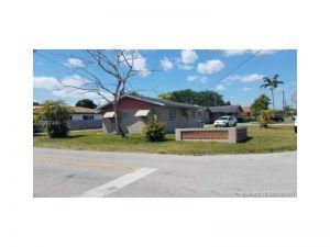 2700 SW 65th Ave. Miami, Florida - Hometaurus