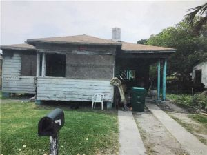 1734 NW 44th St. Miami, Florida - Hometaurus