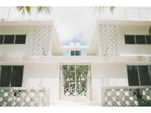 250 Collins Ave. Miami Beach, Florida - Hometaurus