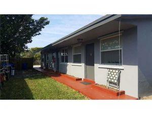 1856 SW 41st Ave. Fort Lauderdale, Florida - Hometaurus