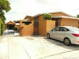 3165 SW 25th St. Miami, Florida - Hometaurus