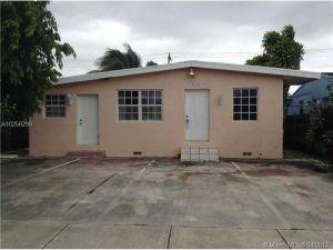 9285 SW 37 St. Miami, Florida - Hometaurus
