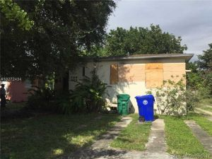 135 NW 45th St. Miami, Florida - Hometaurus