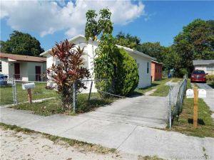 4151 NW 23rd Ct. Miami, Florida - Hometaurus