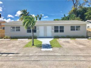 1065 SW 2nd St. Hallandale, Florida - Hometaurus