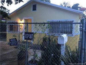 5728 NW 5 Ct. Miami, Florida - Hometaurus