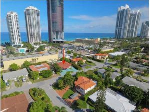 18605 Atlantic Blvd. Sunny Isles Beach, Florida - Hometaurus