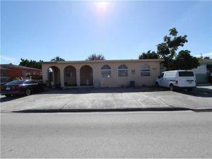 672 E 21st St. Hialeah, Florida - Hometaurus