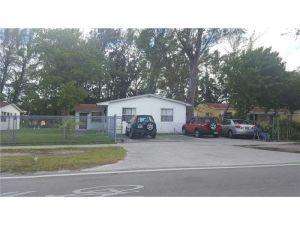 1420 NW 111th St. Miami, Florida - Hometaurus