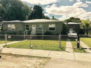 1120 NW 64th St. Miami, Florida - Hometaurus